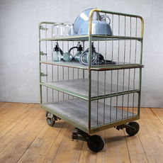Industrial Auktion trolley