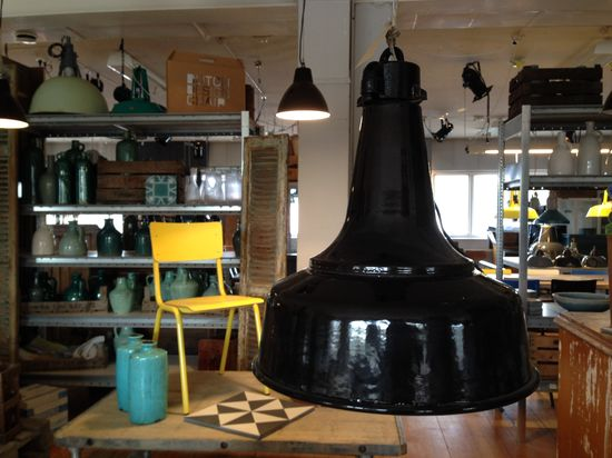 Svart Fabrikslampa 30-tal