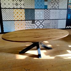 Ellipse table in solid oak